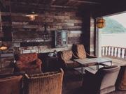 鹿児島にオーシャンビューのカフェ ボリューム感のあるバーガーを売りに