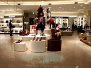 鹿児島の百貨店「山形屋」がリニューアル 婦人靴、バッグをワンフロアに