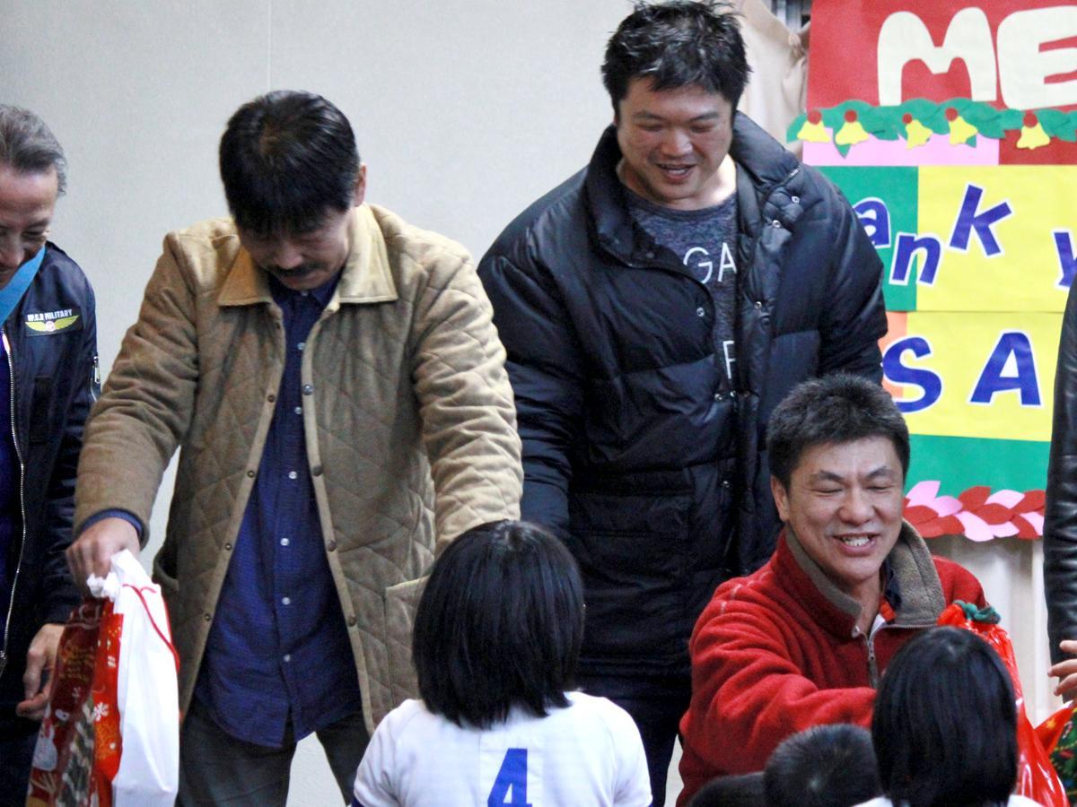 12月25日に行われた寄贈式の様子