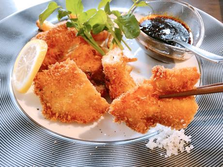 黒さつま鶏胸肉のカツレツ