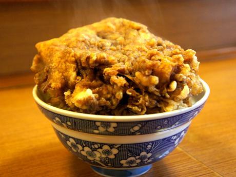 「天ぷら新橋」で提供される「西郷丼」