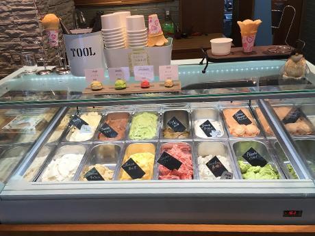 12種類のアイスとジェラート