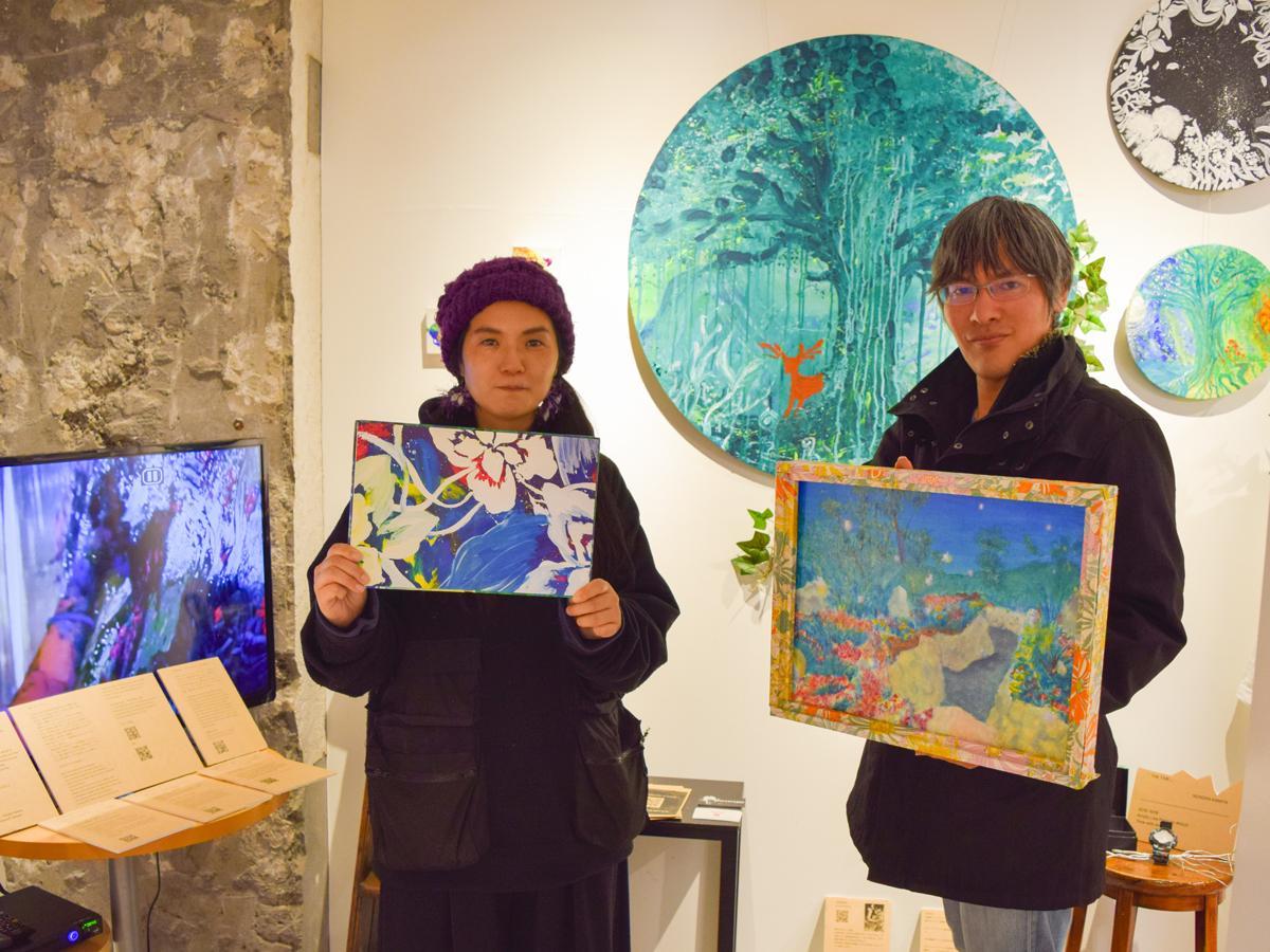 即興画家Nonoka Kamiyaさんとグループ展を企画した神話画家の古賀星羅さん