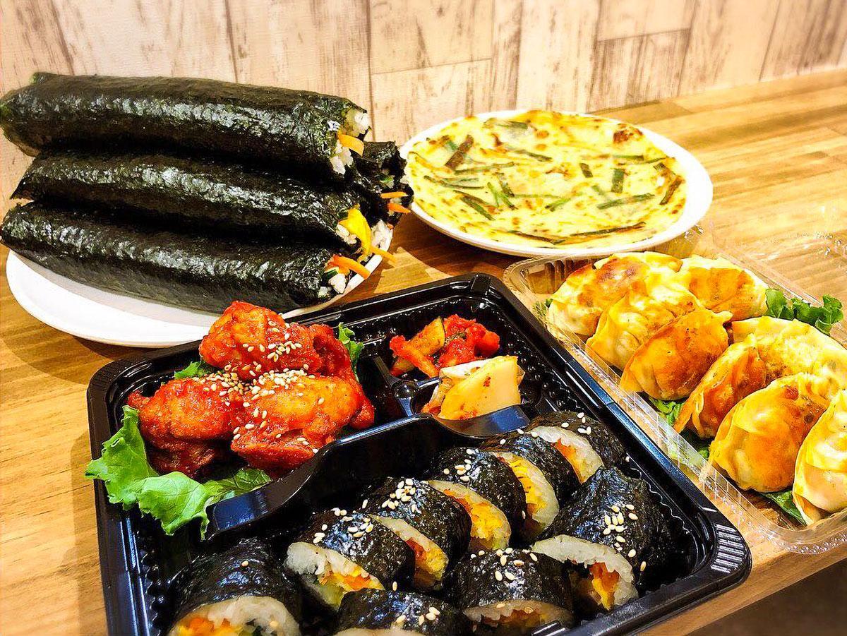 ケンス食堂の「キンパ」(韓国風のり巻き)やキムチ餃子