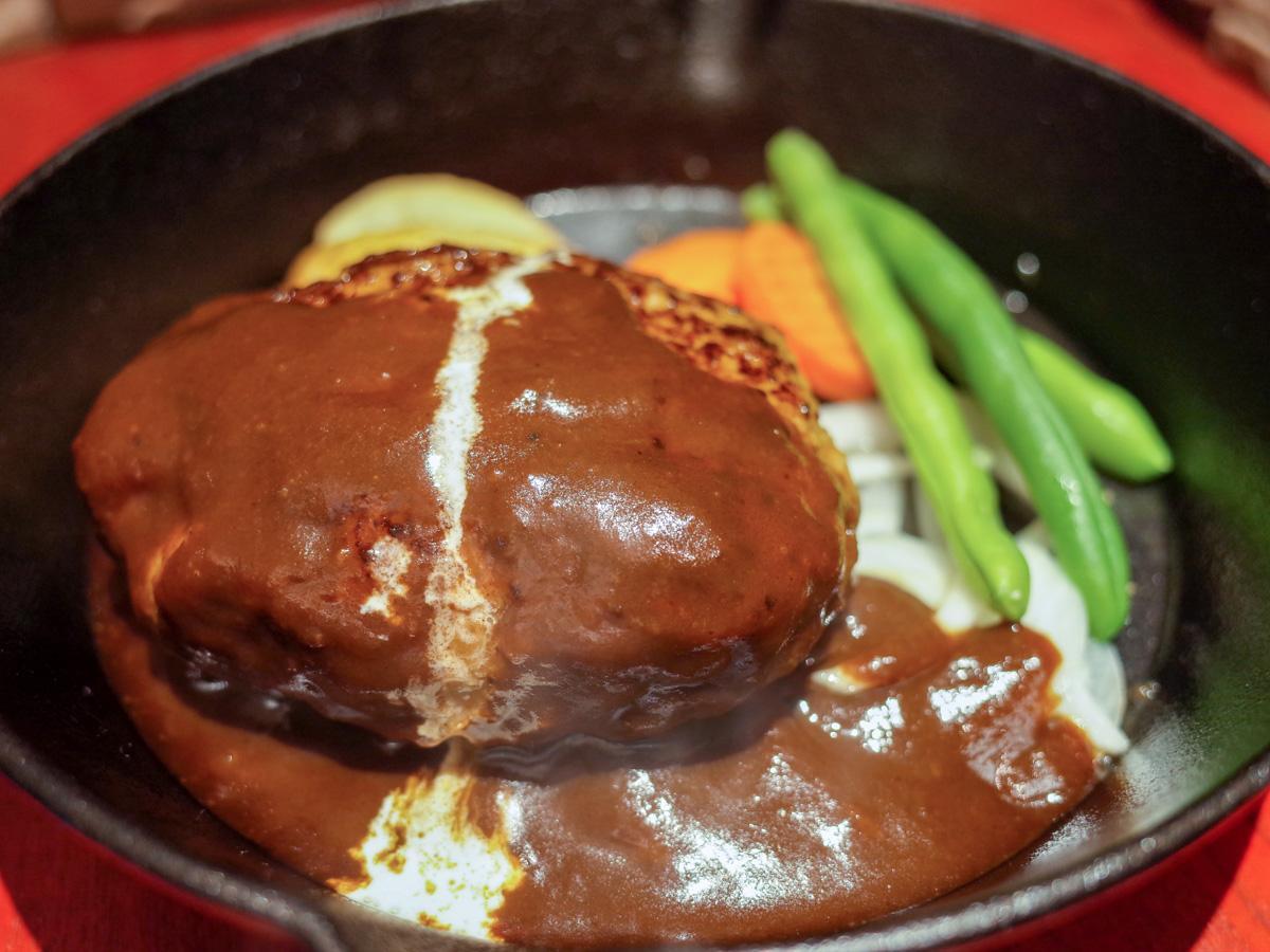 「grill44.5」のプレーンハンバーグ