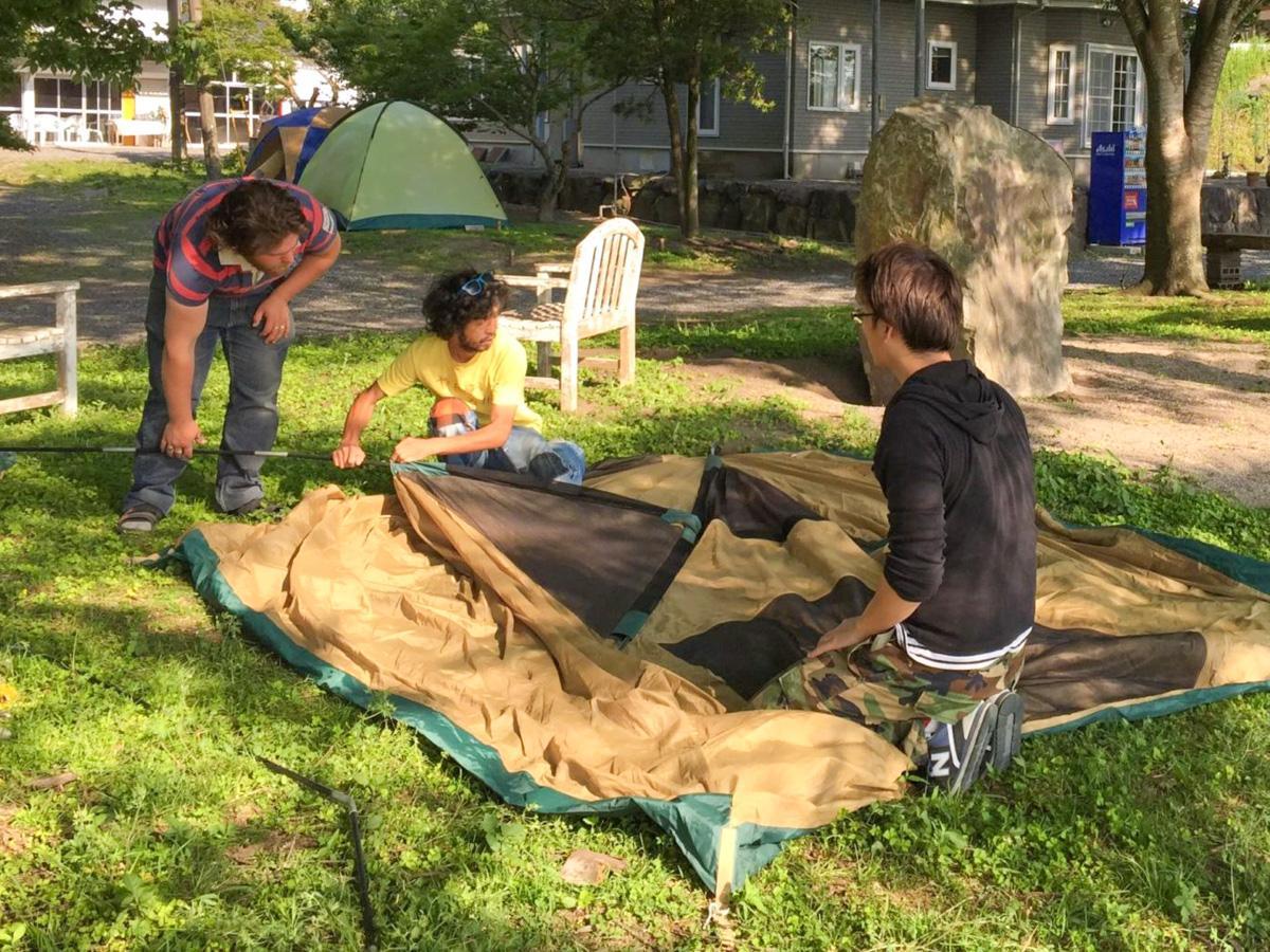 テント設置講習の様子