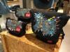 鹿児島の画家がNY発バッグブランドとコラボ ハンドペイントで受注販売