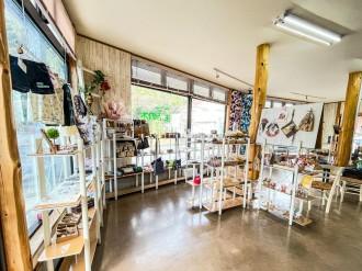 鹿児島・喜入町にハンドメード雑貨の店 作家のワークショップ開催も