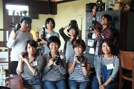 「カメラ部」の活動初日 自前のカメラを持参したメンバーら