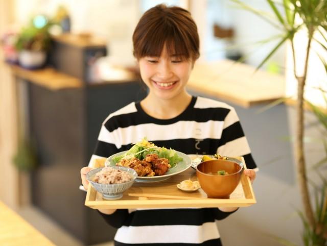 加古川にカフェ「こさじ」 「食堂のような場所目指す」ランチ売りに