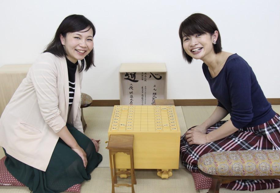 主催者の金本奈絵さん(左)と尾崎久恵さん(右)