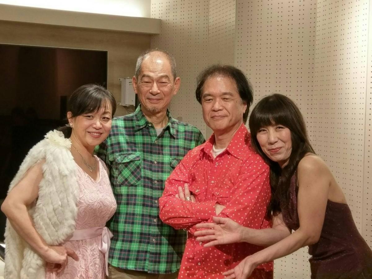 「きゃさりんと愉快な仲間」の左から石田さん、小出恭正さん、貴村昌司さん、船越朋子さん