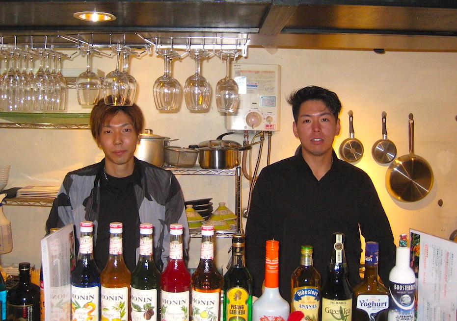 オーナーの西田圭介さんと店長の杉本迅さん