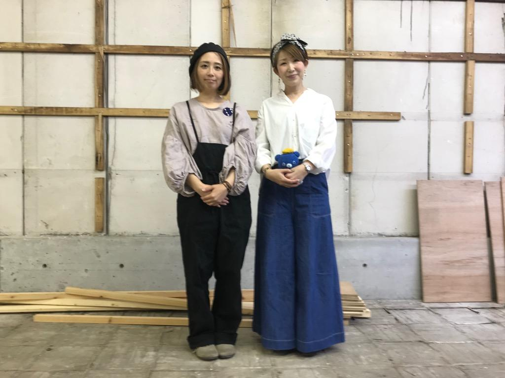 AYA WORKSの竹歳かおりさん(左)、杉山文子さん(右)