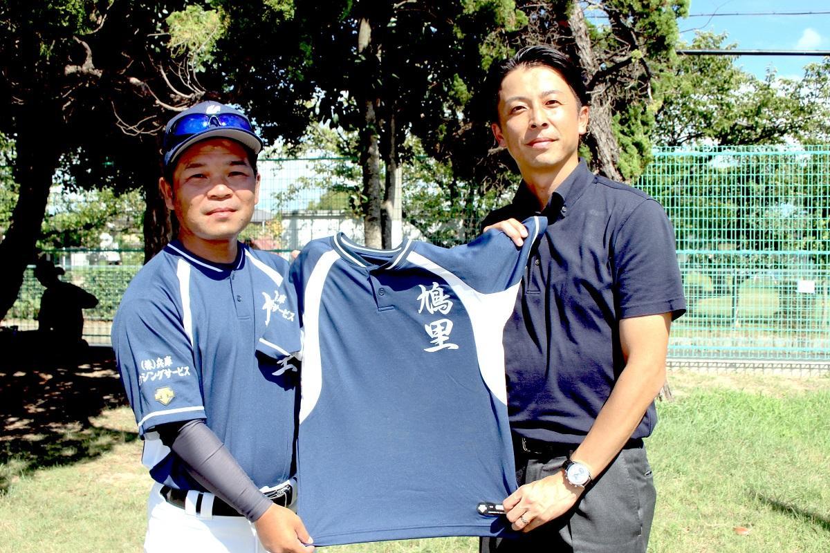 淵脇州平さん(右)、川﨑和彦さん(左)