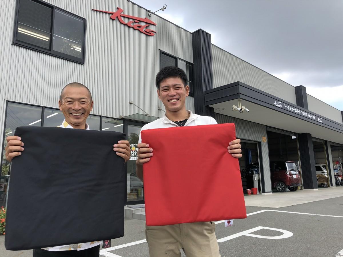 社長の清水政男さんとスタッフの山崎翔平さん