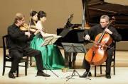 チェコ・フィルゾリステン鎌倉公演 地元ピアニストと「七里ガ浜の哀歌」も