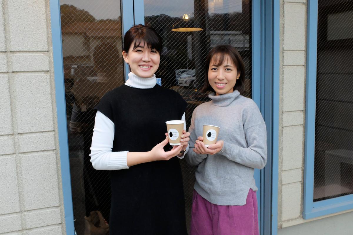 「『カラダが恋する、リカバリードリンク』をキャッチコピーに新感覚の甘酒を」と小西さん(左)と三橋さん(右)