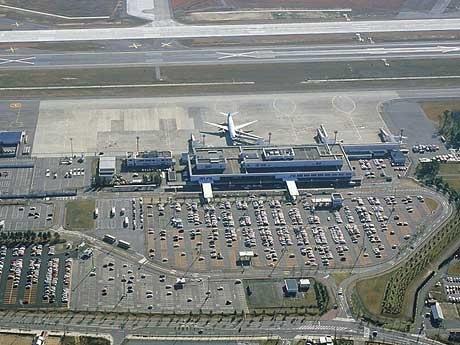 台湾便の就航で国際化に弾みがつく小松空港