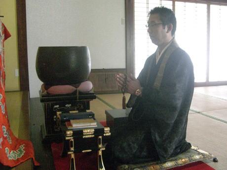 専徳寺副住職の吉岡聡さん