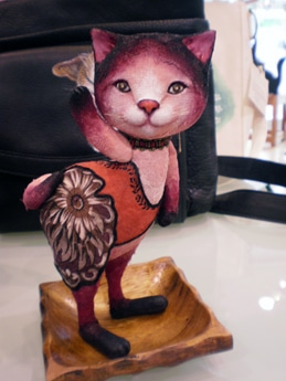 「猫+ピョン展」に出展している、あべ夏さんの作品