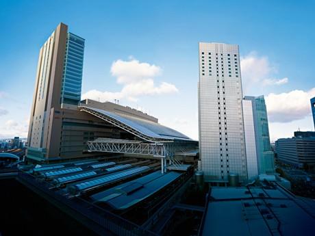 連日、大勢の買い物客が訪れている大阪ステーションシティ(JR西日本提供)