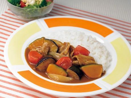 ハウス食品がJA全農いしかわと共同開発した「石川県産カボチャとトマトとなすのカレー」