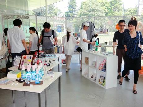 こだわりの雑貨やスイーツを並べた「ひと夏の乙女の金沢展」