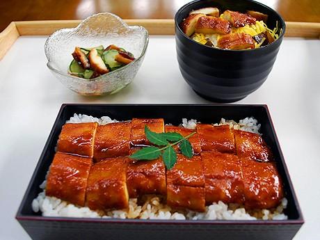 日本海藻食品研究所が技術開発した「ウナギのかば焼きもどき」