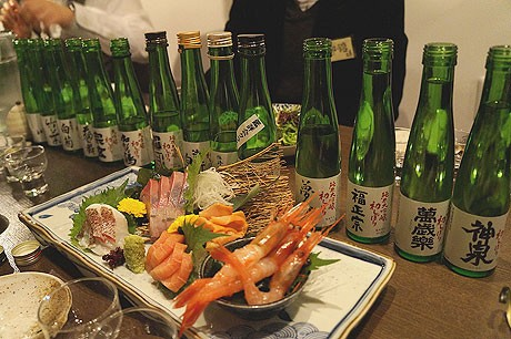 「大吟醸初しぼりを愛(め)でる会」で旬の食材とともに大吟醸酒を味わう