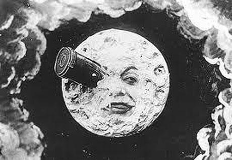 世界初のSF映画となる「月世界旅行」のワンシーン