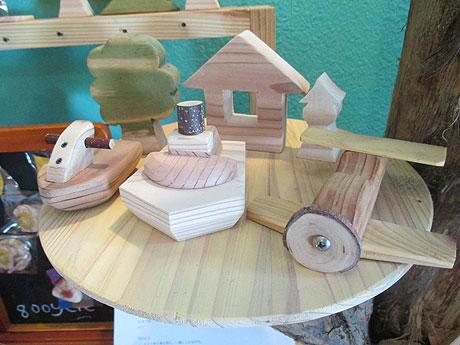 手作りの木製雑貨