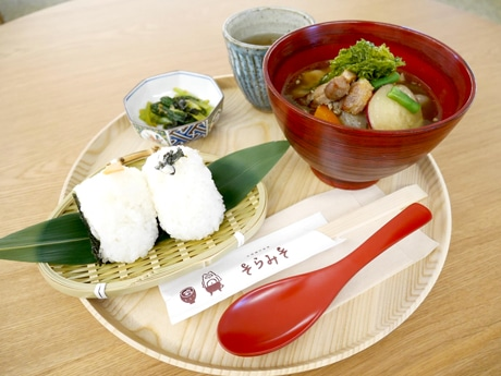 お味噌汁とおむすびのセット「そらみそ定食」