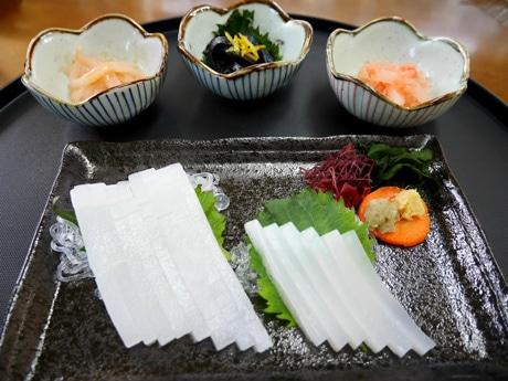 色や食感まで再現した「イカもどき」の調理例