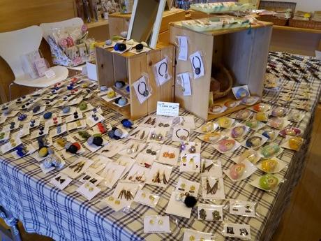 金沢で「小さな雑貨作家展」 県内外のハンドメード作家25組、500点を展示販売