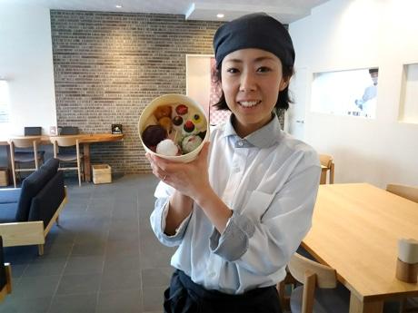 老舗和菓子店「村上」マネジャーの村上麻希子さん