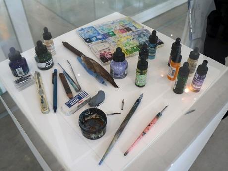 池田さんが使用するペンとインク