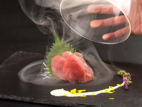 金沢駅兼六園口に炉端焼き店 食のエンターテインメントを演出、来店客に驚きを