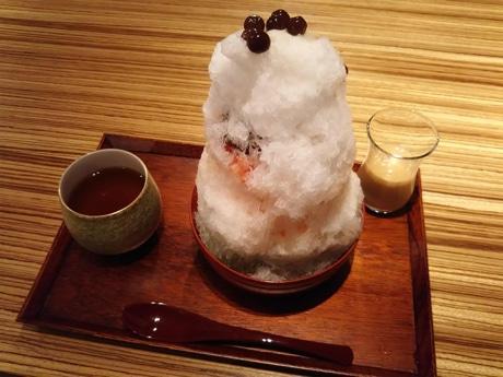 金沢産の小玉スイカを使った新作のかき氷