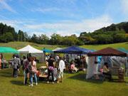石川県森林公園で「森の青空アート」 クラフト作家や飲食店など150店舗超が出店