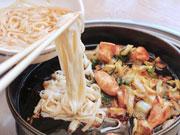 金沢の「さぶろうべい」で糖質ゼロ麺提供 看板の「とり白菜鍋」の締めに