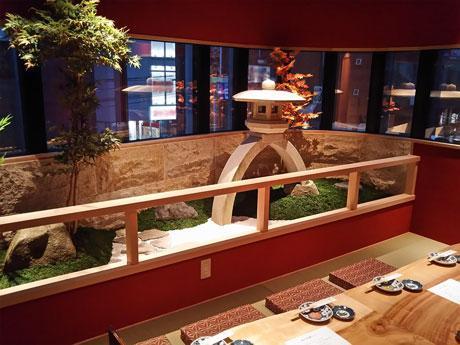 兼六園をイメージした箱庭付きの個室