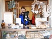 金沢・東山にコーヒーのテークアウト専門店「百年珈琲」 築100年の古民家に