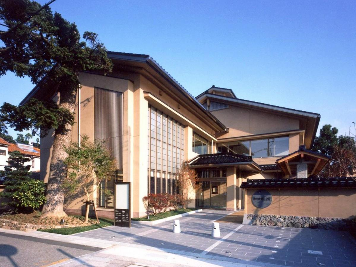 スタート地点となる「徳田秋聲記念館」