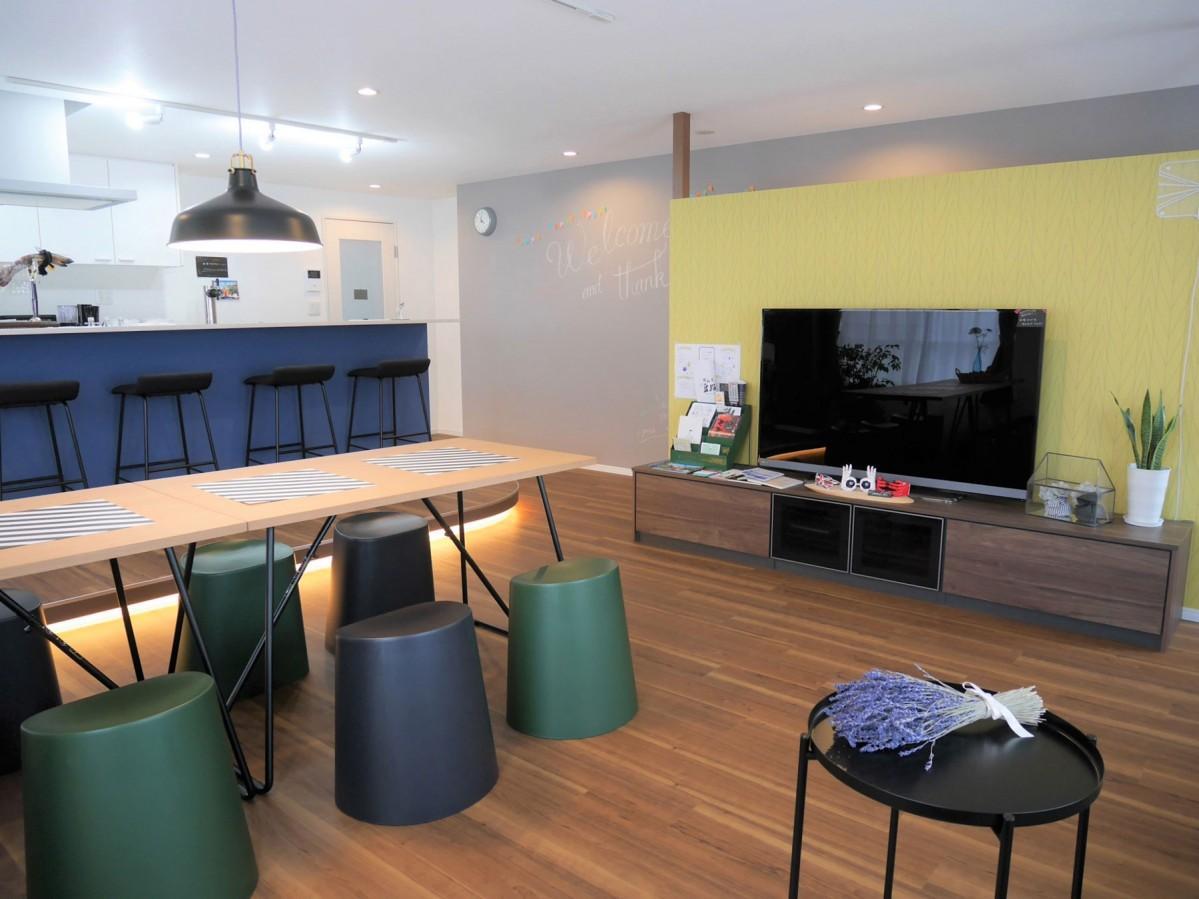 共用スペースのリビングとキッチン