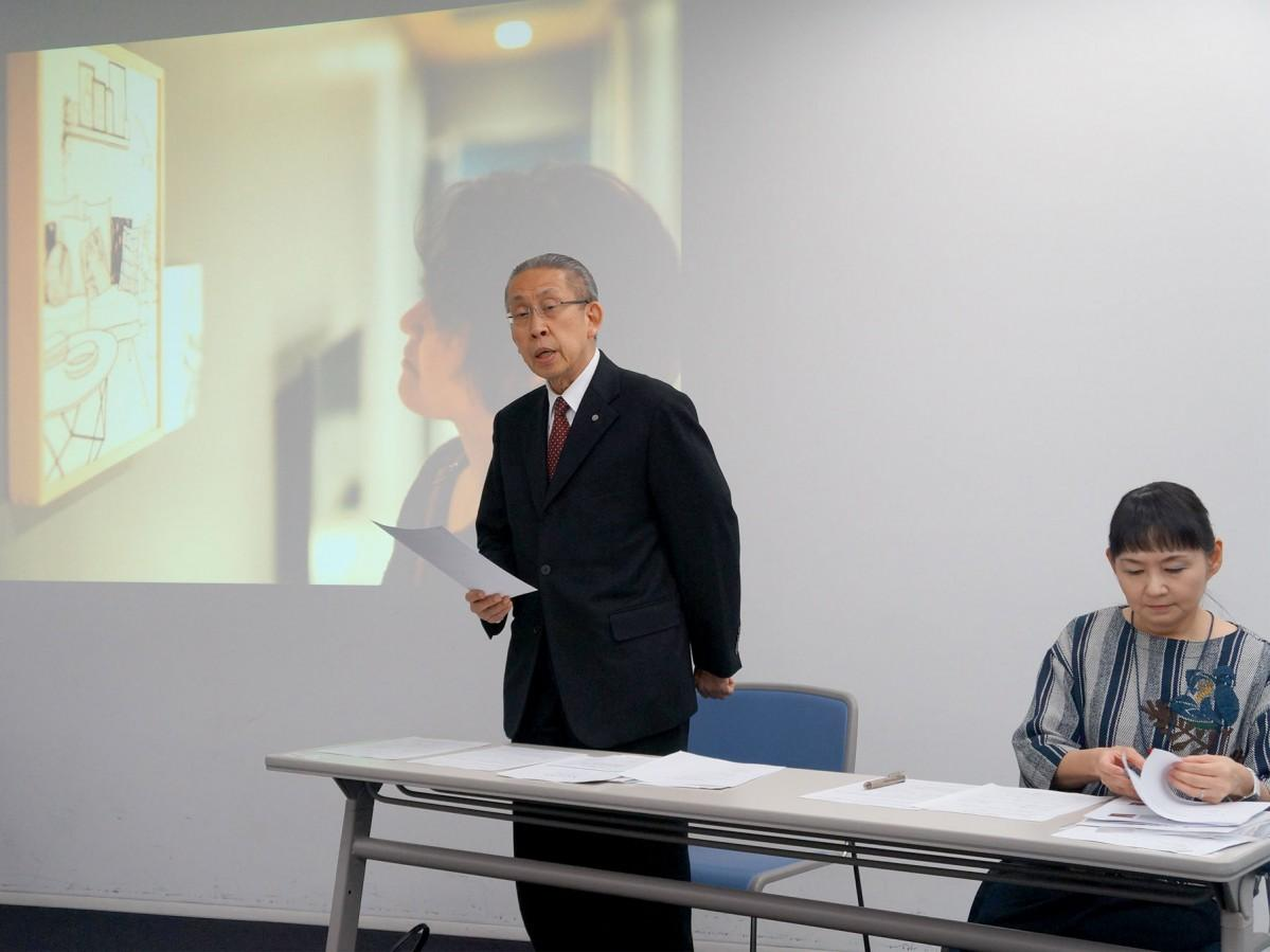 記者発表で挨拶する実行委員長の福光松太郎さん