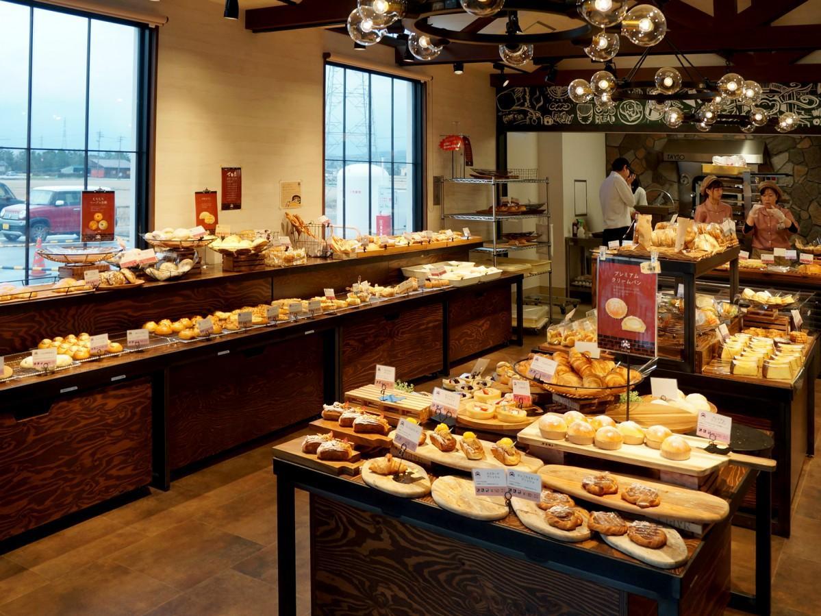 石窯パン工房「VIVIR」に並ぶパン