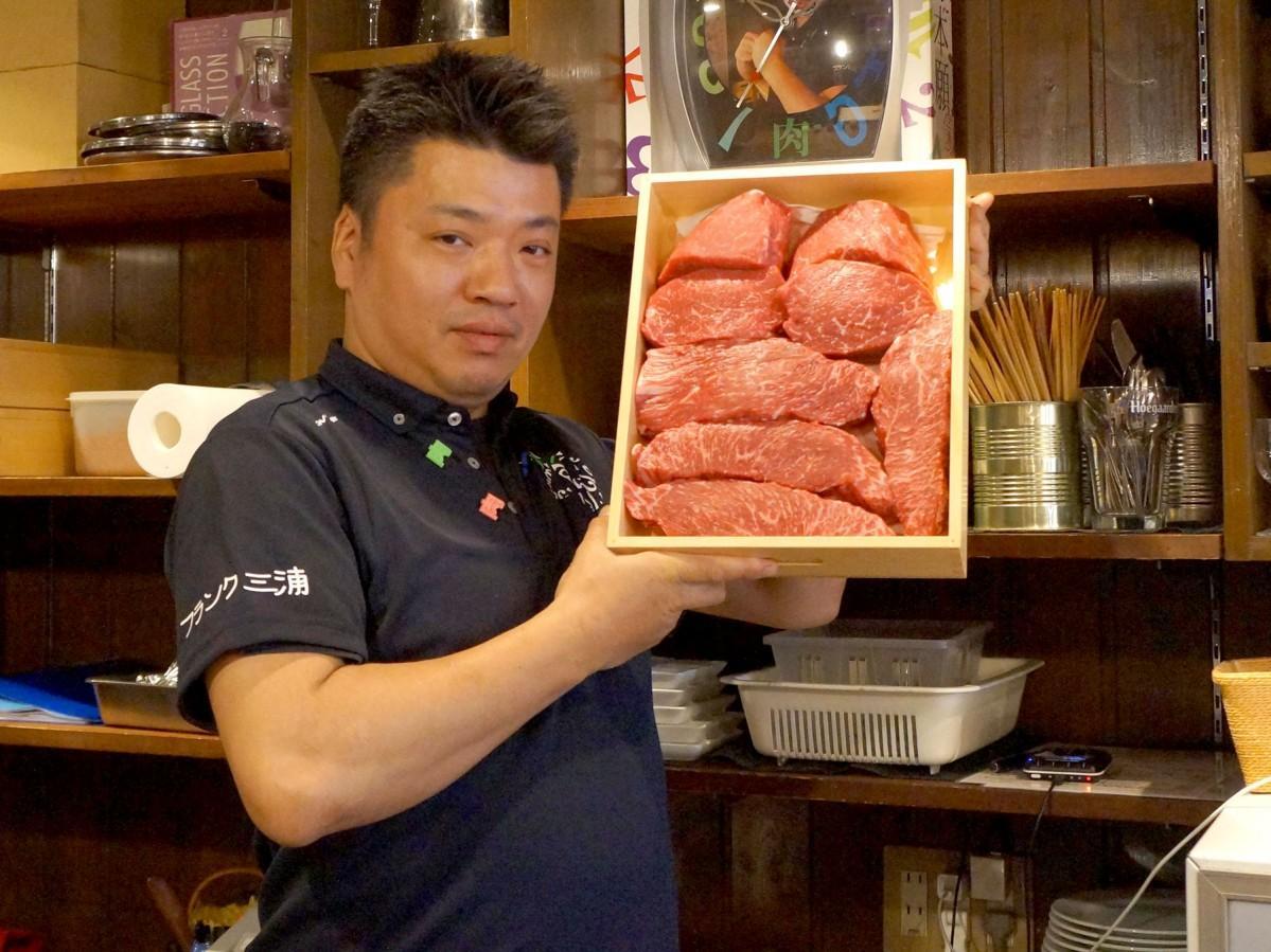 熊本産の赤牛を扱う「肉山 金沢」の池端晋一店長