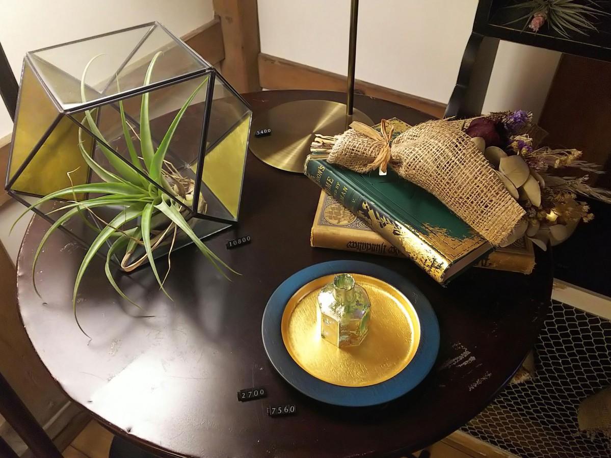 箔製品と植物との組み合わせで新しい魅力を提案