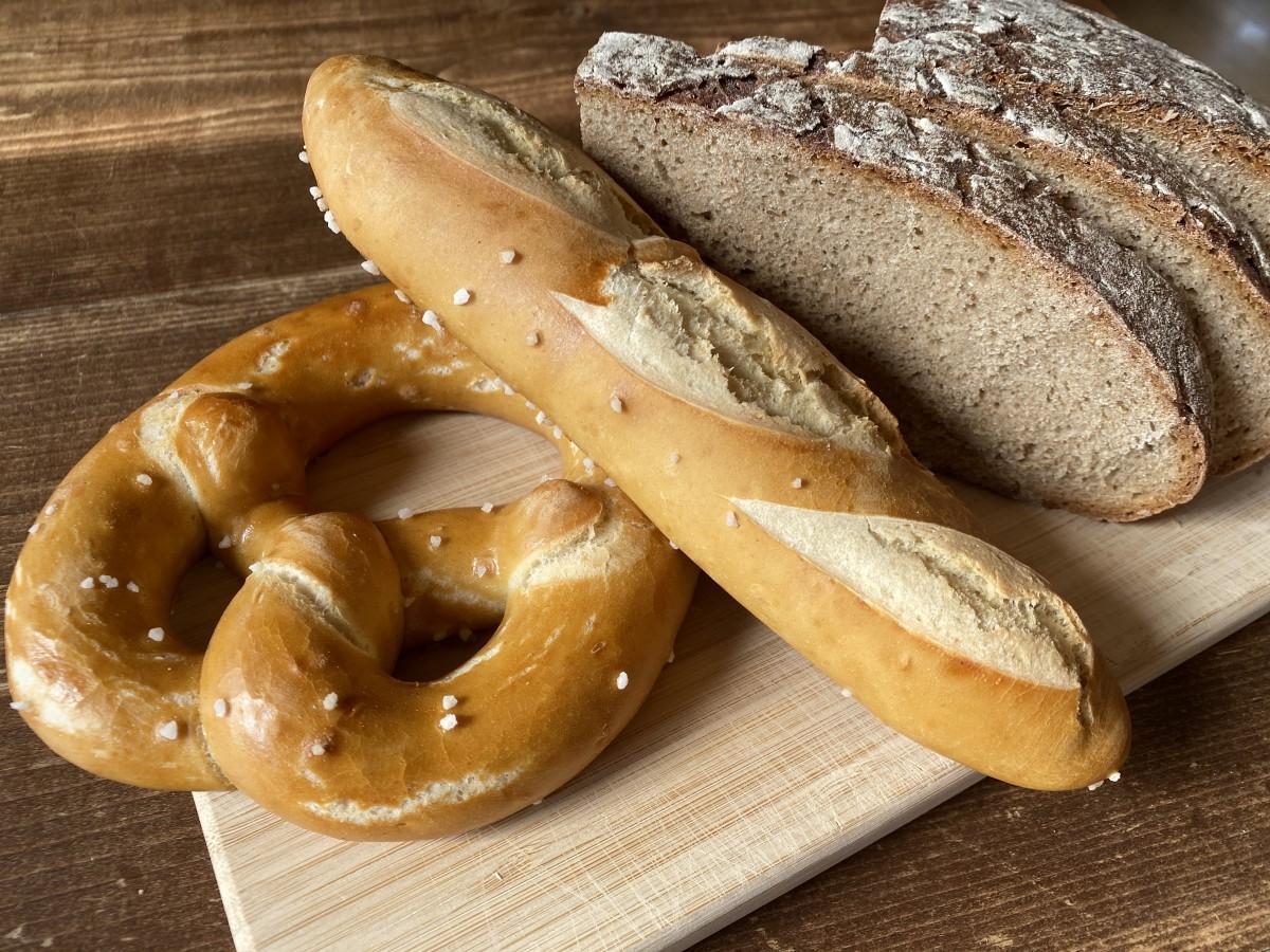 ドイツ産のオーガニック小麦を使ったブレッツェルなど7種類が揃う